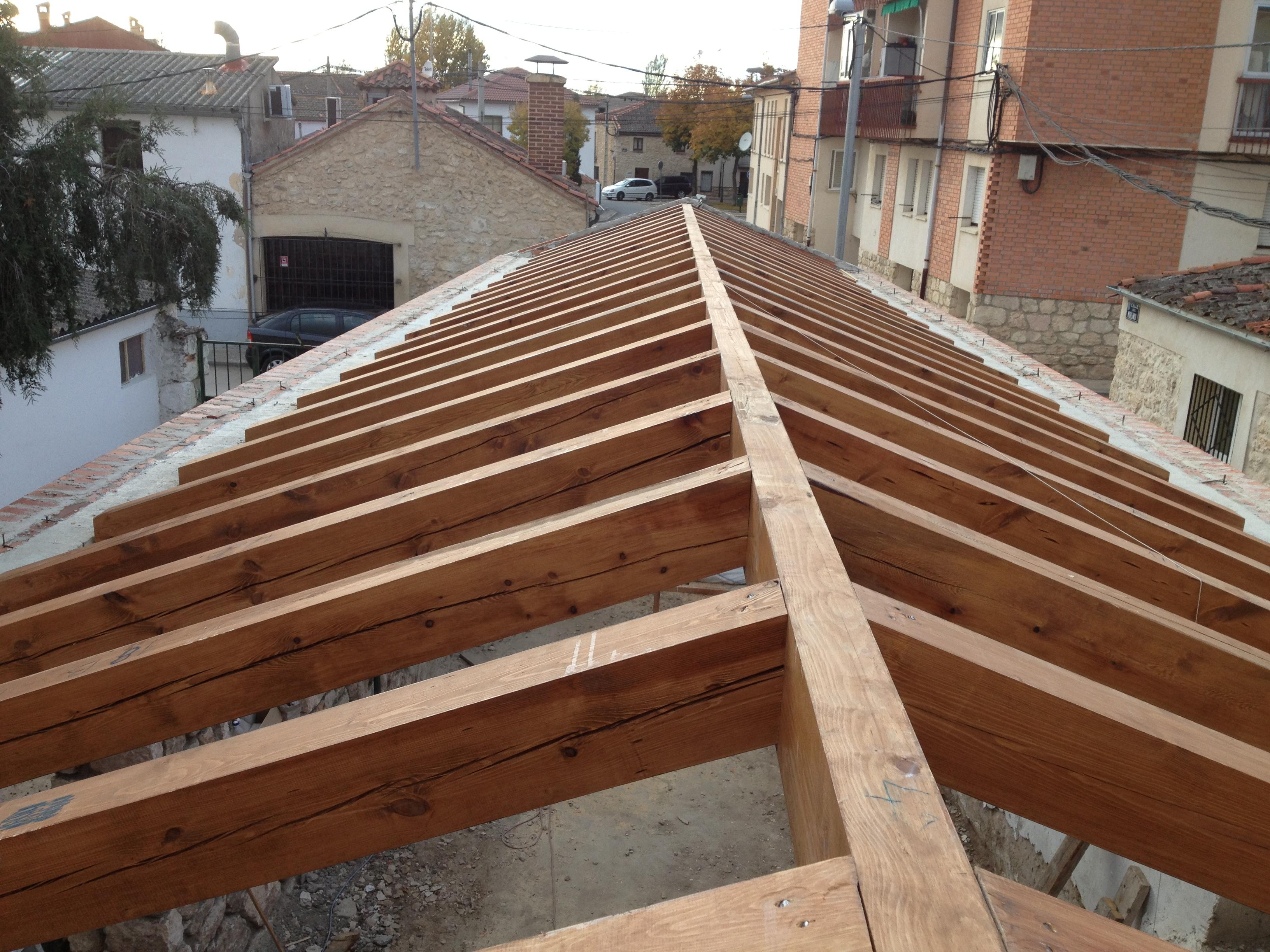 Cubiertas de madera carpinter a de prado for Tejados de madera barcelona