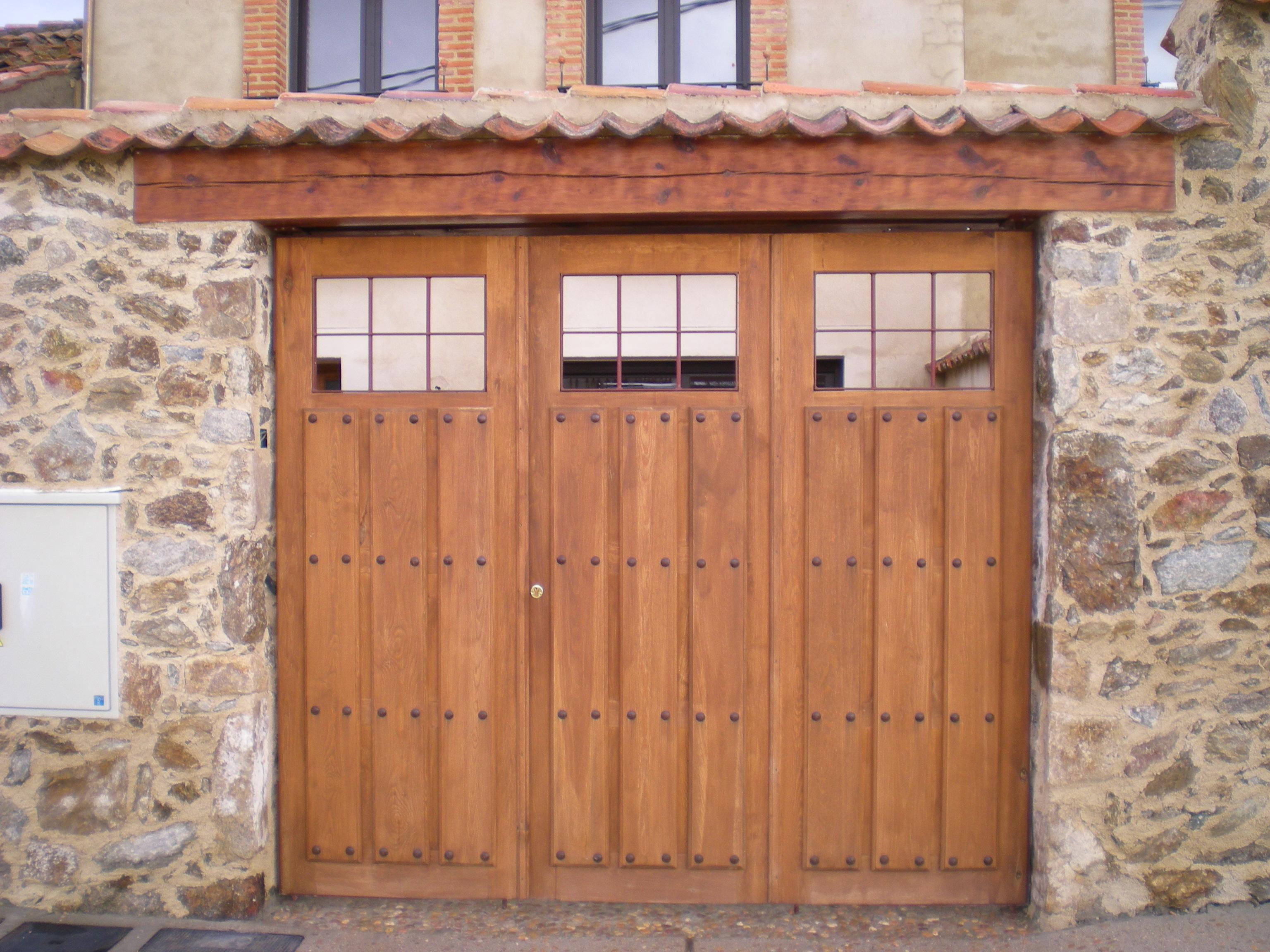 portones rusticos de madera amazing techos y pergolas de