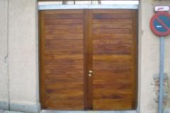 Portón de madera