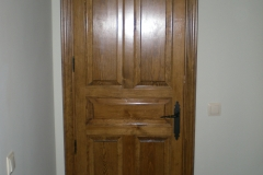 Puerta interior de madera